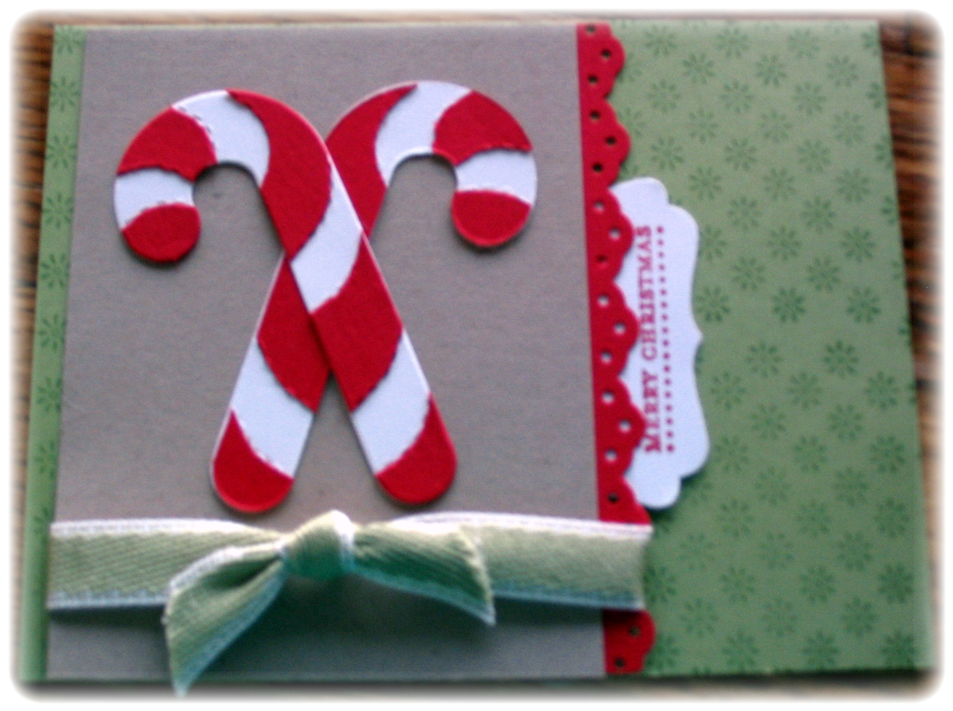 Candy Cane Card! It looks good enough to eat! | stampamazing.com